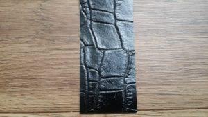 リレザ(クロコダイル黒)