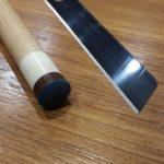 カッターの刃でタップの側面削り
