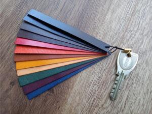 ロロマレザー全12色を鍵に装着